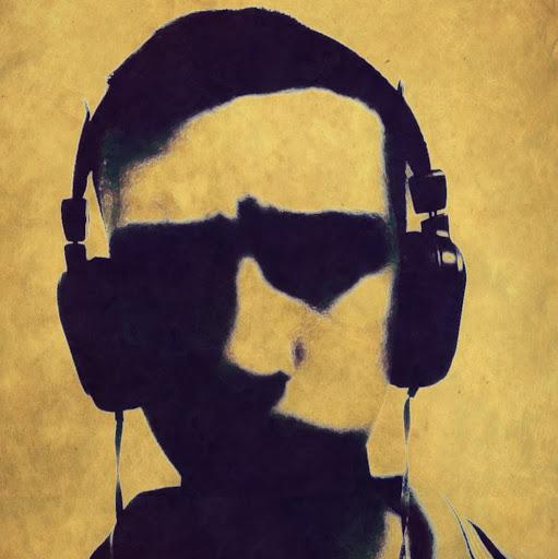 user Mohamed Elhaddade apkdeer profile image