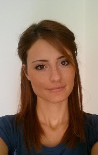 user Anne Szabadka apkdeer profile image
