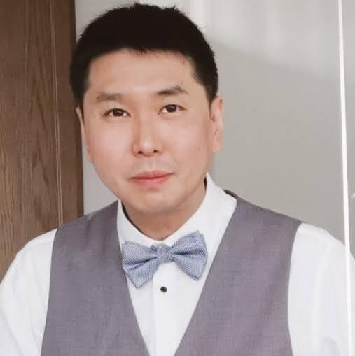 user Xin Zhang apkdeer profile image