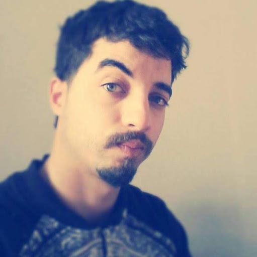 user ahmed bdhief apkdeer profile image