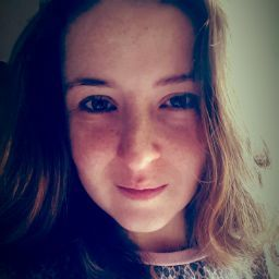 user claire brotherston apkdeer profile image
