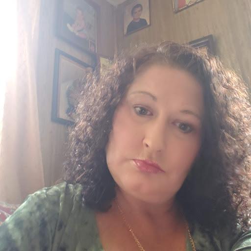 user Stephaney Richmond Ratliff apkdeer profile image