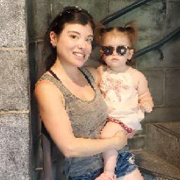 user Angelina Valles apkdeer profile image