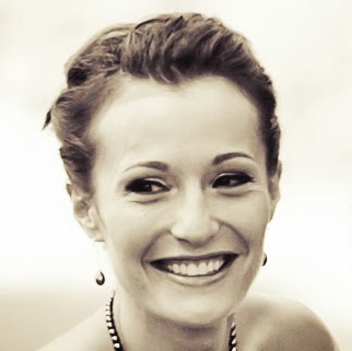 user Ashley Brennan apkdeer profile image