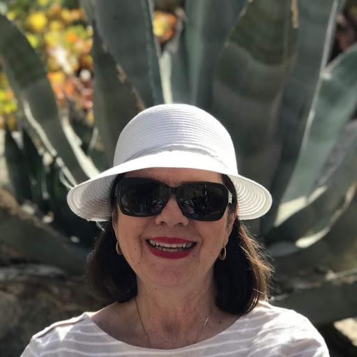 user Lois Bohnsack apkdeer profile image