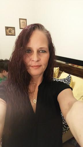 user Kisha Watson apkdeer profile image