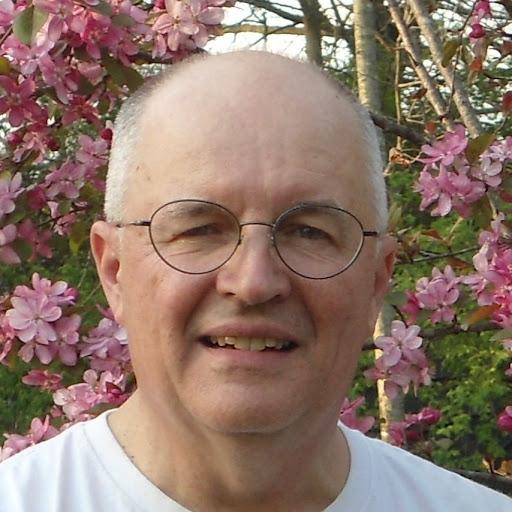 user David Wolfe apkdeer profile image