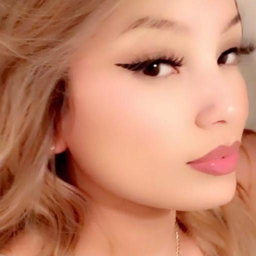 user briana amezcua apkdeer profile image