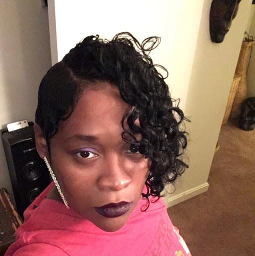 user DeAndra Felder apkdeer profile image