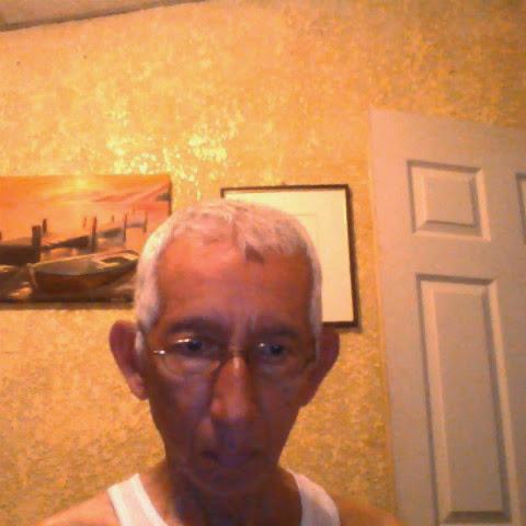 user Julio Chavez apkdeer profile image