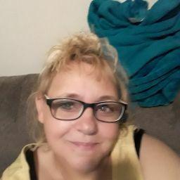 user Sarah Hatfield apkdeer profile image