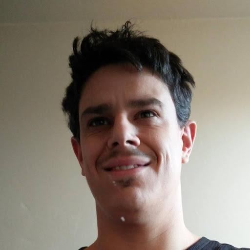 user Peter Laws apkdeer profile image