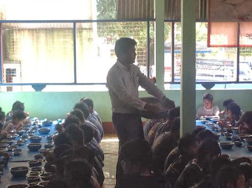 user TUN MYAT Aye apkdeer profile image