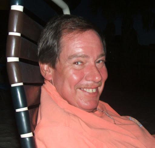 user Eddie Ledkins apkdeer profile image