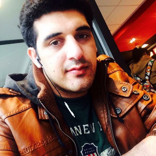 user Malak Adil apkdeer profile image