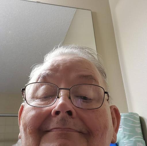 user Alan Tattersall apkdeer profile image