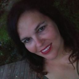 user Peggy LaRue apkdeer profile image