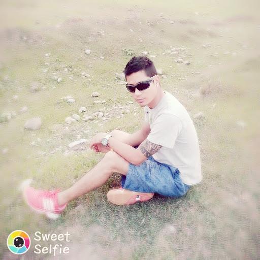 user Bishal Gurung apkdeer profile image