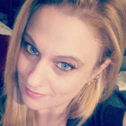 user Dana Wolfe apkdeer profile image