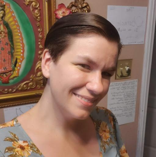 user Jennifer Bonilla apkdeer profile image