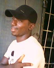 user azeez raymon b apkdeer profile image