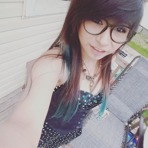 user Pixie Lilium Brock apkdeer profile image