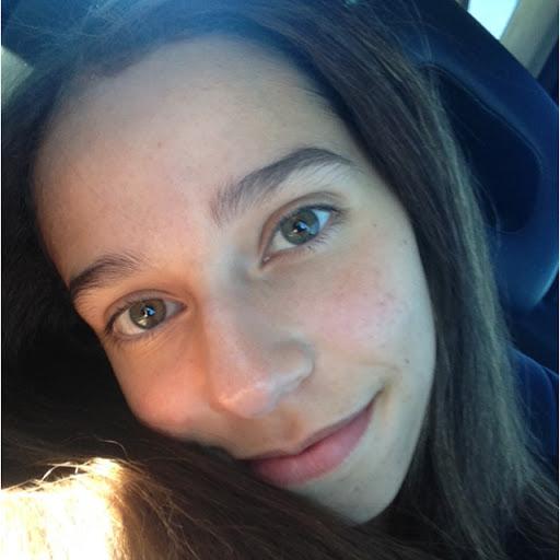user Jasmyn Garcia apkdeer profile image