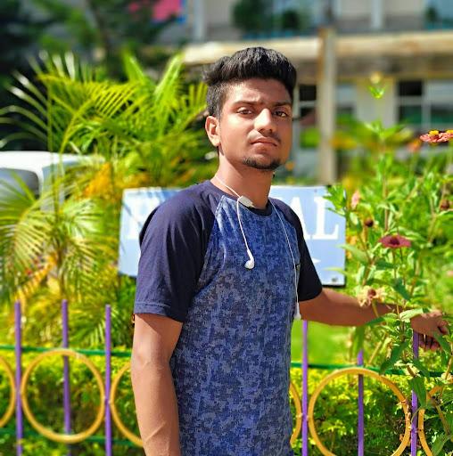 user Zohaib Azad Hussain apkdeer profile image