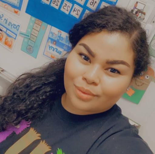 user Yvette Martinez apkdeer profile image