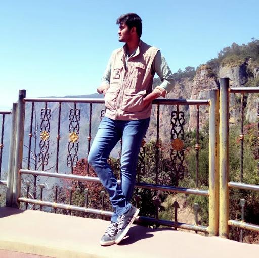 user Rageshwaran R apkdeer profile image
