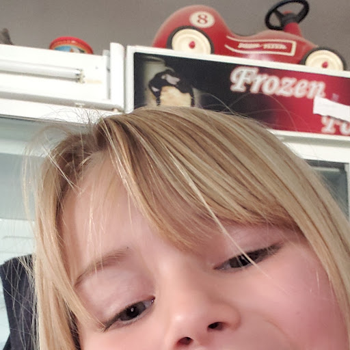 user Stacy Corbin apkdeer profile image