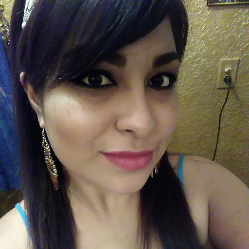user Jennifer Marie Serna apkdeer profile image
