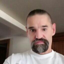 user Chad Long apkdeer profile image