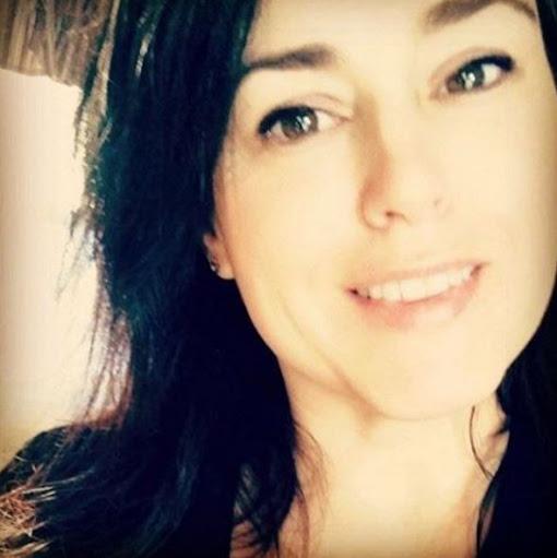 user Kelly M. apkdeer profile image