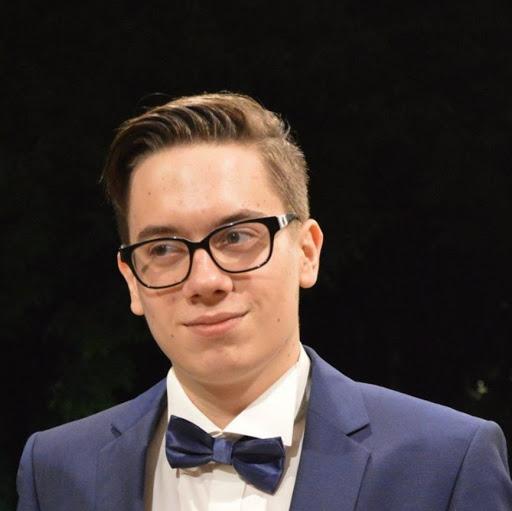 user Andrei Gheorghe apkdeer profile image