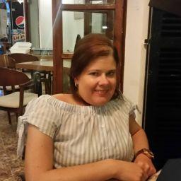 user Julie Ann McSweeney apkdeer profile image
