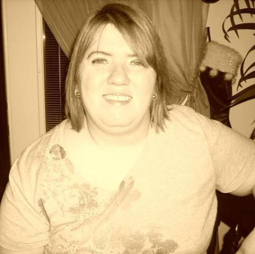 user Holly Roberts apkdeer profile image
