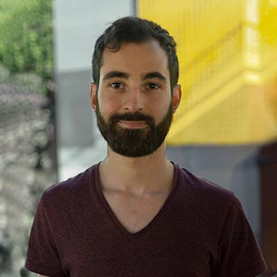 user Maxii Gonzalez Narvaez apkdeer profile image