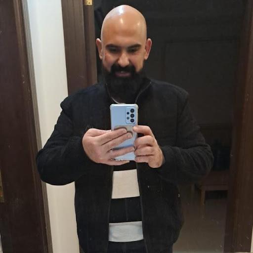 user Saleem Talafhah apkdeer profile image