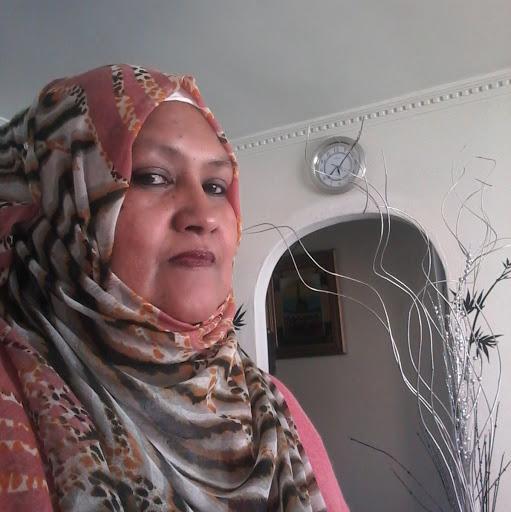 user Nadeema Van Der schyff apkdeer profile image