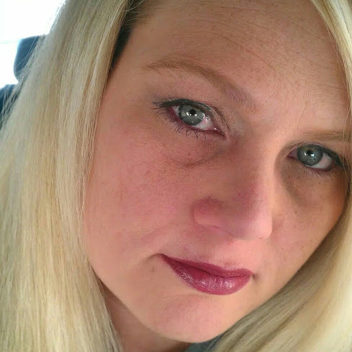 user Sylvia M Craig apkdeer profile image