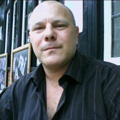 user Martin Fuller apkdeer profile image