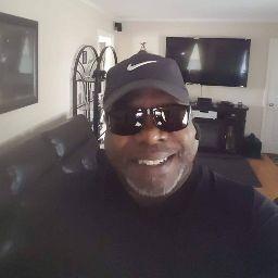user Darryl Simmons apkdeer profile image