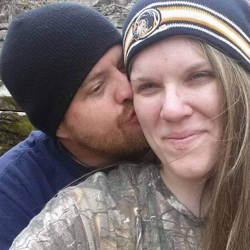user Amanda Flynn apkdeer profile image