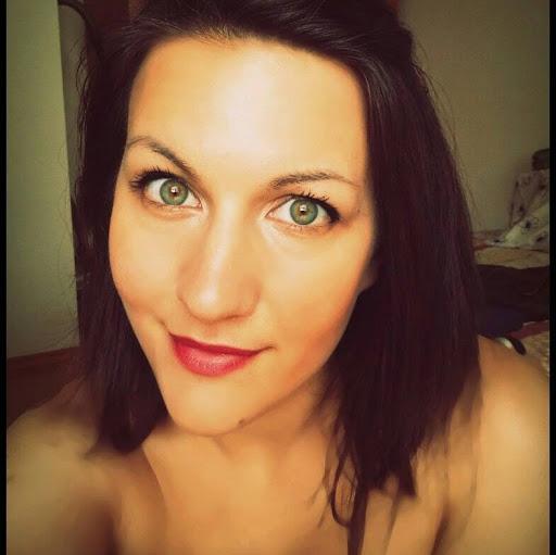 user Kami Borisova apkdeer profile image