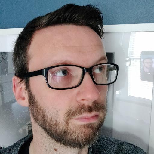 user Chris Hudson apkdeer profile image