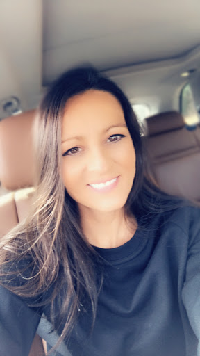 user Lucinda Nichole apkdeer profile image