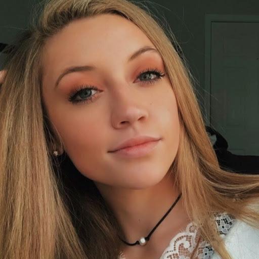 Isabella L. Profile Thumb