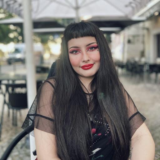 BiancaBregas's avatar