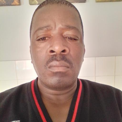 user Thembinkosi Ndlovu apkdeer profile image